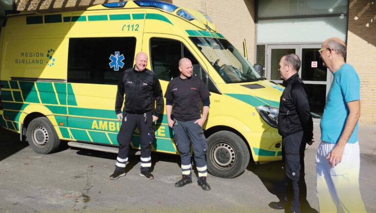 Samarbejde mellem akutafdeling og ambulancefolk